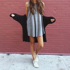 Perfect fall outfit. Cute outfit. T-shirt dress. White converse. Cardigan. Cute outfit. Teen fashion.