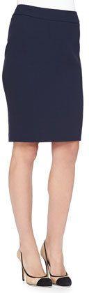 €216, Jupe crayon bleue marine Armani Collezioni. De Neiman Marcus. Cliquez ici pour plus d'informations: https://lookastic.com/women/shop_items/120077/redirect