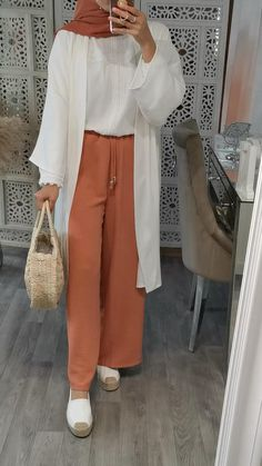 Hijab Fashion Summer, Modest Fashion Hijab, Modern Hijab Fashion, Modesty Fashion, Hijab Fashion Inspiration, Islamic Fashion, Muslim Fashion, Winter Fashion, Fashion Outfits