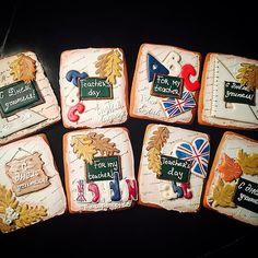 Вот они все вместе красавчики!!! Пряники от MioBiscotto на заказ. Надписи по Вашему желанию #пряник #пряники #пряникимк #пряникимосква #пряникиназаказ #пряникиручнойработы #имбирныйпряник #имбирноепеченье #подарки #педагог #учителю #наденьучителя #деньучителя #decoratedcookies #cookies #sugarcookies