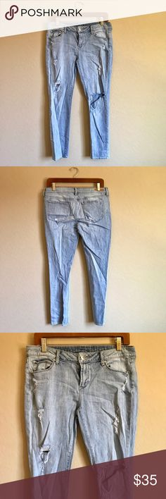 Articles of Society Distressed Skinny Jeans Measurements in inches: 16 waist, 8 rise, 35 Length, 26 inseam, 6 leg opening ✨ Articles Of Society Jeans Skinny