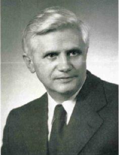 CREER Y SABER Conferencia de Joseph Ratzinger en diciembre de 1969 Transmitida a través de de la Bayerische Rundfunk [Radio Bávara] Han pasado ya más de cien años desde que el filósofo y sociólogo …