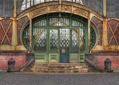art noveau machine shop door, from: havedegreewilltravel blog