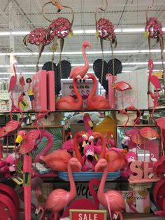 Just so many flamingo! Flamingo Craft, Flamingo Decor, Flamingo Party, Pink Flamingos, Flamingo Pictures, Pink Bird, Mosaic Projects, Stuff And Thangs, Everything Pink