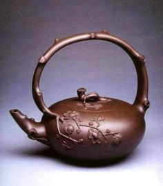 A mixer is constantly useful for soups and the periodic shake, and a grinder will offer you a lot more alternatives in your use of nuts and so on. Asian Teapots, Teapots Unique, Tea Cup Saucer, Tea Cups, Yixing Teapot, Tea Culture, Tea Pot Set, Chinese Tea, Tea Art