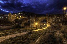 "Villafranca's bridge, over the river Burbia. It's situated in Villafranca del Bierzo, that's an important small town in the middle of the ""Camino de Santiago"", that goes to Santiago de Compostela. España / Spain"