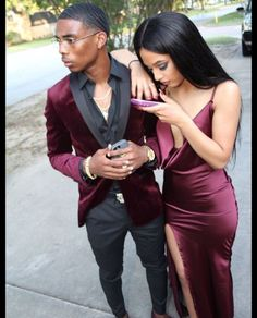 Wine Red Burgundy Mermaid Prom Dresses Spaghetti Straps African Girl Black Girl Evening Formal Gowns from Wedding store Prom Photos, Prom Pictures, Prom Pics, Wedding Men, Wedding Suits, Wedding Store, Wedding Tuxedos, Crop Top Elegante, Prom Suits For Men