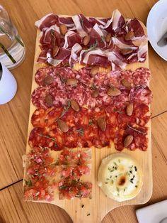 Alentejo, Portugal - Dicas de Viagem: Évora, Hotéis, Herdades e Restaurantes Portugal, I Love Food, Food And Drink, Eat, Homesteads, Travel Tips, Restaurants