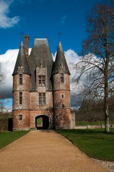 Architecture Unique, Architecture Plan, Medieval Tower, Medieval Castle, Small Castles, French Exterior, Monuments, Building Photography, French Castles