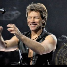 everyone knows my slight obsession with bon jovi <3