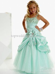 2013 Cute Girls Pageant Dresses Square Neckline Rhinestone Ruffle Handmade Flowers Ball Gown Floor Length Little Girls Cupcake Dresses http://www.dhgate.com/product/2013-cute-girls-pageant-dresses-square-neckline/167690446.html