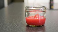 Rognebærgelé med agarpulver kan både skjæres i terninger eller kjøres i blender…