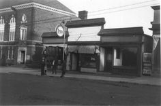 Wayne Hayes store, 1938