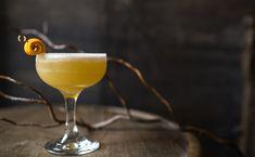 Classic cognac Sidecar cocktail recipe with VS or VSOP cognac, Cointreau and lemon juice