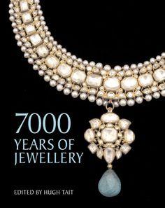 Livre 7000 years of jewellery http://www.vogue.fr/joaillerie/a-lire/diaporama/6-beaux-livres-de-bijoux-a-offrir-pour-noel/21595/image/1122675#livre-7000-years-of-jewellery-bijoux