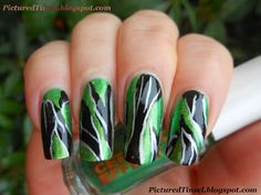 PicturedTinsel: Golden Green Abstract [Nailart]