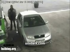 life is a mystery when such things happens ahahaha…. More funny gifs  @  http://www.unidark.com/ LOL