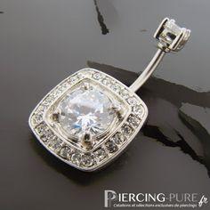 Piercing Nombril carré pavé de Cristaux https://piercing-pure.fr/p/40-piercing-nombril-carre-pave-de-cristaux.html #piercing #piercingnombril #piercinggirl #piercingstrass #piercingblanc