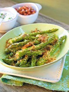 Gebackener Spargel in Parmesanbutter - Spargel - Vegetable Sides, Vegetable Recipes, Vegetarian Recipes, Healthy Recipes, Baked Asparagus, Asparagus Recipe, Grilling Recipes, Cooking Recipes, Good Food