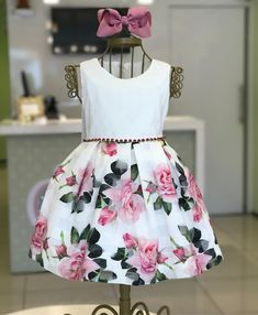 Muiiiito amor por ele!! 💕💕 ÚLTIMO tam 1 ano 238,00! Baby Girl Frocks, Baby Girl Party Dresses, Frocks For Girls, Wedding Dresses For Girls, Dresses Kids Girl, Kids Outfits, Children Dress, Baby Girl Fashion, Kids Fashion