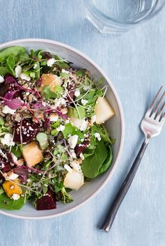 Roasted Beet, Pear and Quinoa Salad. Made this without quinoa, added pistachios. Would like to do with quinoa sometime as a main rather than side dish. Healthy Salad Recipes, Vegetarian Recipes, Cooking Recipes, Beetroot Recipes, Avocado Recipes, Cooking Tips, Jai Faim, Clean Eating, Healthy Eating