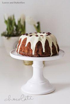 Leaves and Butterflies: Ein beschwipster Kuchen im Januar mit Schokochunks und Cranberrys