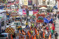Funcionários públicos britânicos entram em greve por reajuste salarial | #DavidCameron, #FrancisMaude, #FuncionárioPúblico, #Greve, #Inglaterra, #JornalI