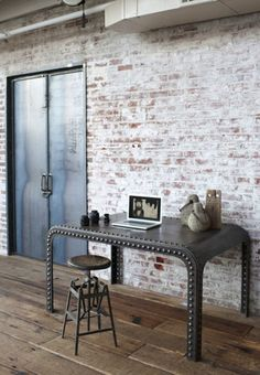 brick walls and that table!!