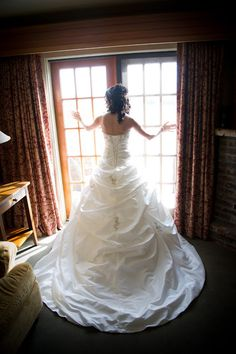 Madeleine's Daughter Blog, Real Bride, Real Wedding, Jacqueline Bridal Gown, Ballgown, Wedding Gown, Veil