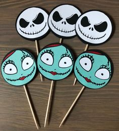 Christmas Cupcake Toppers, Christmas Cupcakes Decoration, Holiday Cupcakes, Diy Halloween Decorations, Cupcake Party, Sally Nightmare Before Christmas, Nightmare Before Christmas Decorations, Adult Christmas Party, Christmas Baby Shower