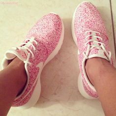 girl strong strength fit fitness fitspo health healthy sport sporty gym sports wear gear workout running jogging pink shoes sneakers nike