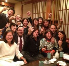 Norman Reedus, Andrew Lincoln with a large group of fans in Japan.