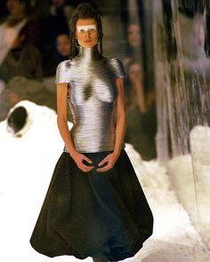 25-10-11  Look from Alexander McQueen's Fall 1999 collection