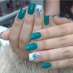 Nail art is a very popular trend these days and every woman you meet seems to have beautiful nails. It used to be that women would just go get a manicure or pedicure to get their nails trimmed and shaped with just a few coats of plain nail polish. Simple Nail Art Designs, Nail Designs, Cute Nails, Pretty Nails, Green Nails, Green Nail Art, Blue Nail, Green Art, Stylish Nails