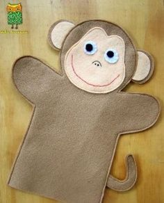 ideku handmade: hand puppets are coming!- ideku handmade: hand puppets are coming! Glove Puppets, Felt Puppets, Felt Finger Puppets, Hand Puppets, Monkey Pattern, Puppet Patterns, Doll Patterns, Puppet Making, Operation Christmas Child