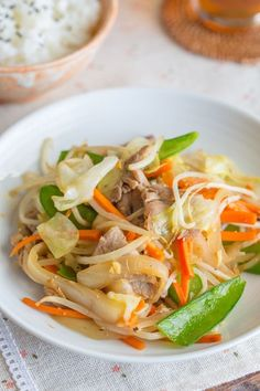 Stir fry veg: 6.5 oz. (185 g) thinly sliced pork (skip for vegetarian/vegan) 10 snow peas (about 1 oz / 30 g) ¼ large onion (about 3 oz / 90 g) ¼ cabbage (about 7 oz / 200 g) ½ carrot (about 3 oz / 90 g) 1 clove large garlic 1 inch (2.5 cm) ginger 1 Tbsp. vegetable oil 2 cups loosely packed bean sprouts (about 3.9 oz / 110 g)