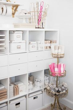 OFFICE TOUR: REBECCA ASHBY OF THE PINK ORANGE STATIONARY
