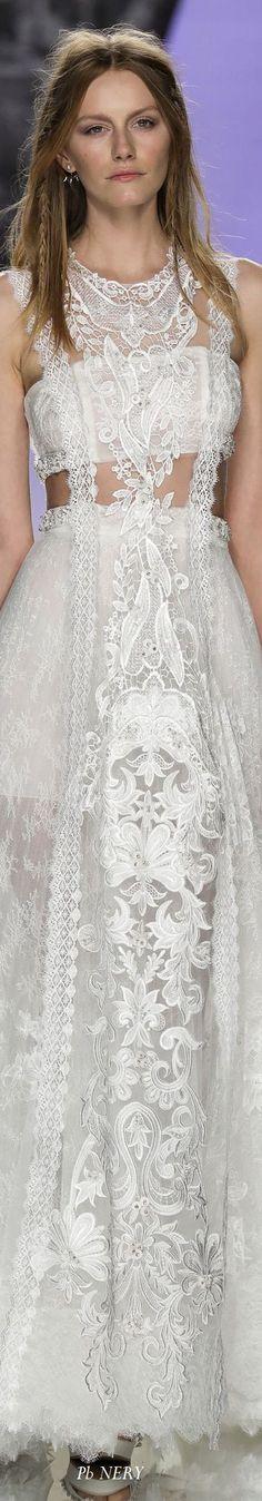 f1cc7ad5b358 14 fantastiche immagini su YolanCris Abiti da sposa 2018 Boho Chic ...