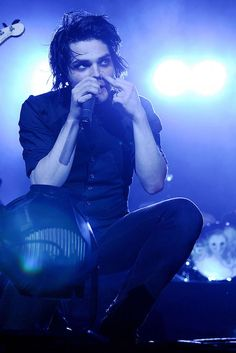 (click pic for HQ)  o2 Arena, London, UK. 15/11/07
