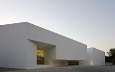 Santo Tirso call center Aires Mateus Architects