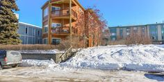 Immaculately clean 2 bed, 2 bath condo in wonderful Bootleggers Cove. Open concept. Private parking and common area balcony for owners. Dues cover water, sewer, exterior maintenance, grounds maintenance and common area.