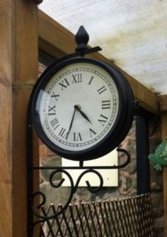 NEW-OUTDOOR-RAILWAY-GARDEN-VINTAGE-ROMAN-NUMERAL-TRADITIONAL-STATION-WALL-CLOCK