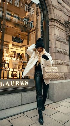 Check out these hair products that are popular. Fall Winter Outfits, Autumn Winter Fashion, Spring Fashion, Autumn Style, Winter Wear, Winter Style, Fashion Line, Modern Fashion, Fashion Design