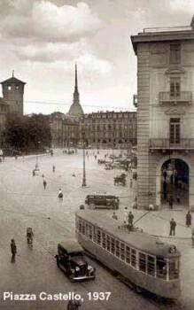 Italian Vintage Photographs ~ #Italy #Italian #vintage #photographs #history #culture ~ #Torino, piazza Castello, 1937