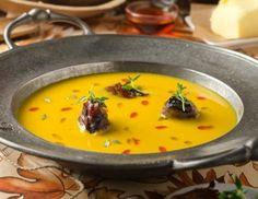 Süßkartoffel-Quittensuppe mit Speckzwetschken und Paprikaöl Rezept