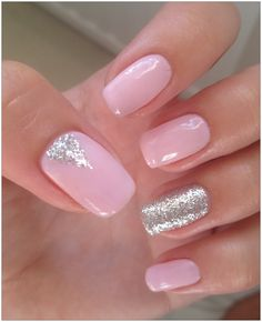 Golden glitter, pink sparkles, sparkle gel nails, silver nails, silver nail p Sparkle Gel Nails, Pink Gel Nails, Gel Nails French, Pink Nail Art, Silver Nails, Love Nails, Pretty Nails, Gel Manicure, Gorgeous Nails
