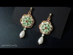 Easy to make beaded earrings for beginners MATERIALS: - bicone beads - pearls - teardrop pearls - seed beads - stud earring findings - ju. Beaded Earrings Patterns, Beaded Jewelry Designs, Beaded Bracelets, Bead Patterns, Handmade Jewelry, Pearl Stud Earrings, Seed Bead Earrings, Women's Earrings, Crystals