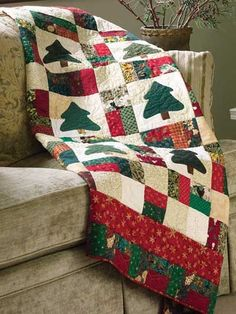 Quilting - Special Occasions - Christmas Quilts - Nine-Patch Christmas Scrap Quilting Pattern - #FQ00275