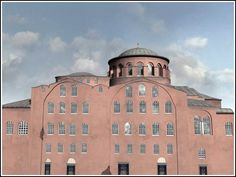Byzantium 1200 is a project aimed at creating computer reconstructions of the Byzantine Monuments located in Istanbul, TURKEY as of year 1200 AD Byzantine Architecture, Historic Architecture, Art And Architecture, Hagia Irene, Constantine The Great, Ottoman Turks, Roman Church, Roman City, Byzantine Art