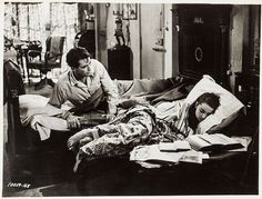 Written by John Dighton and Dalton Trumbo, Roman Holiday is a 1953 American romantic comedy film directed and produced by William Wyler. Audrey Hepburn Feet, Audrey Hepburn Roman Holiday, Audrey Hepburn Photos, Hollywood Cinema, Classic Hollywood, Hollywood Actresses, Dalton Trumbo, William Wyler, Atticus Finch